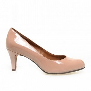 3.Clarks Daily Pumps