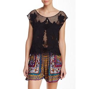 6.Angie Crochet Boxy