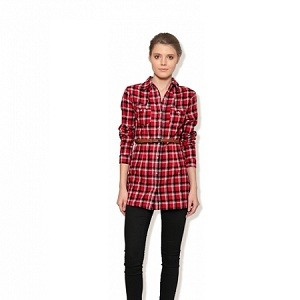 7.Mischa Casual Red