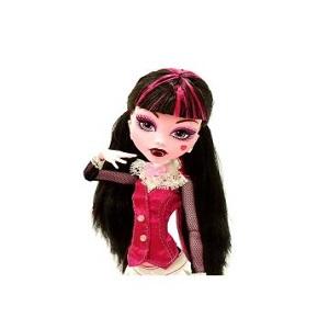 6. Papusa Monster High Core Originals Draculaura