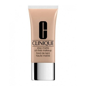1. Clinique Stay Matte Oil Free N°15 Beige